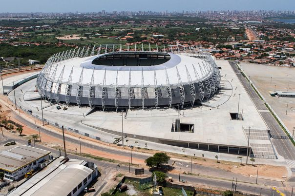 1024px-Fortaleza_Arena